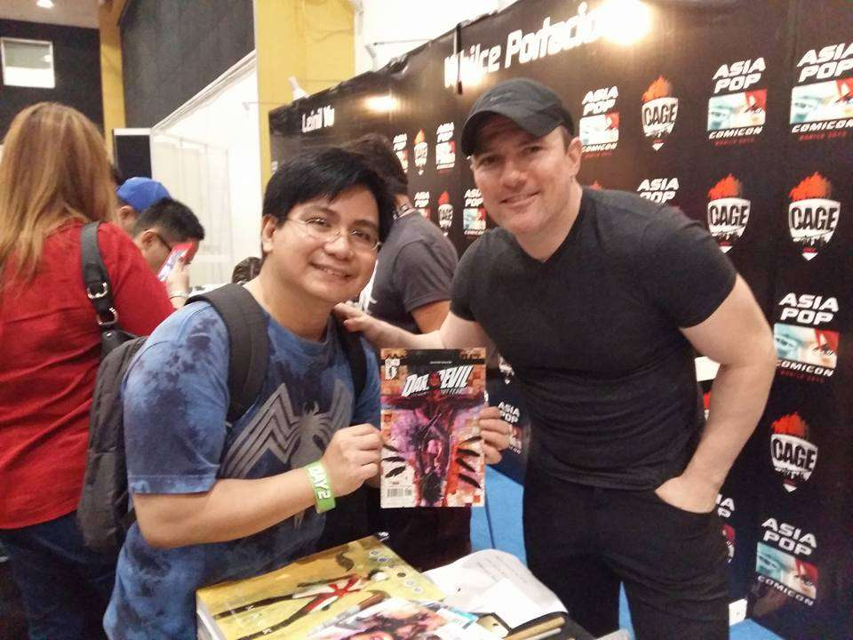 """Omar with David Mack, creator and artist of """"Daredevil."""" :) He also created the art and concept in """"Captain America: Winter Soldier."""" :)"""